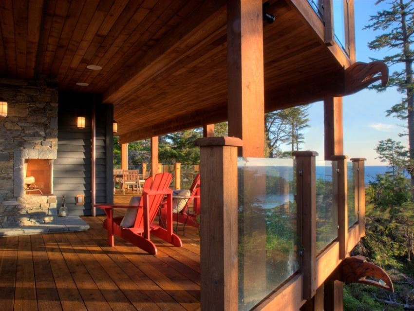 Eaglerock  Deck & Western Red Cedar with custom carving
